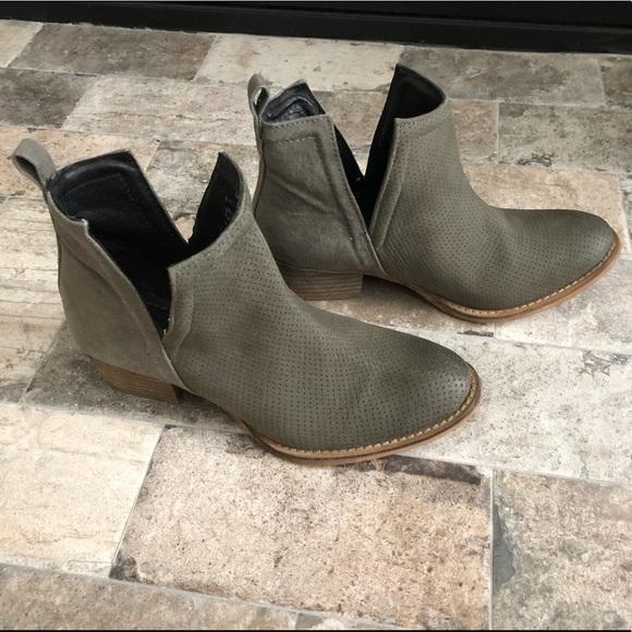 b283f7c55aef Diba True Shoes - Women s Diba True Stop By Grey Ankle Boot.